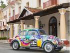 Grafiteiro expõe obras e até Fusca estilizado em Poços de Caldas, MG