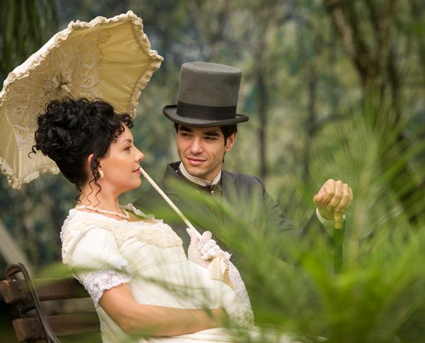 Pérola sonha com Sonan e Matilde casados e esperando um bebê (Foto: Joia Rara/TV Globo)