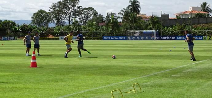 Treino do Cruzeiro (Foto: Ana Laura Bernardes)