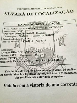 Prefeitura entrega documentos à Policia em que grifa responsabilidade dos Bombeiros incêndio boate em Santa Maria (Foto: Iara Lemos/G1)