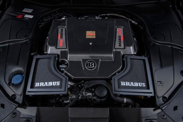 Torque do motor 6.3 V12 é limitado a 122 kgfm para poupar transmissão e pneus (Foto: Divulgação)