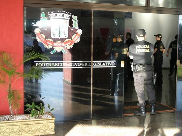 PF faz operação para prender vereadores em Naviraí MS (Foto: Divulgação/PF)