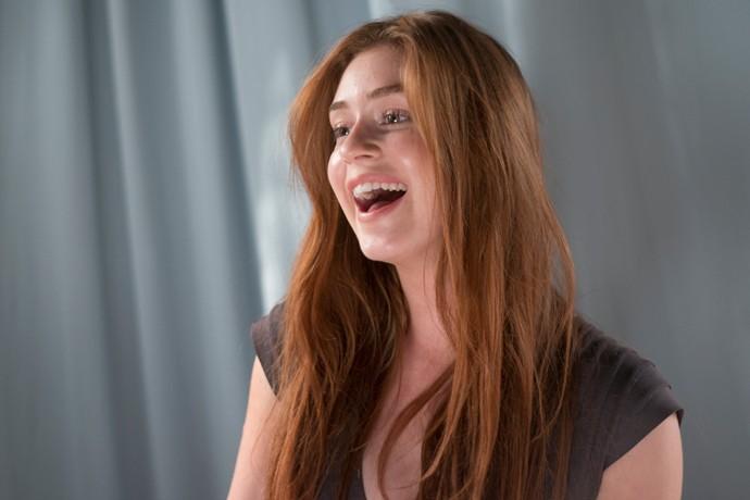 Não é que quando não está cheia de marra, Eliza é fotogênica? (Foto: Lucas Landau / TV Globo)