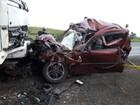 Dois homens morrem em batida de frente contra caminhão, na PR-092