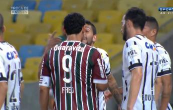 Comentarista estranha agressividade de Fred contra Petros no Maracanã