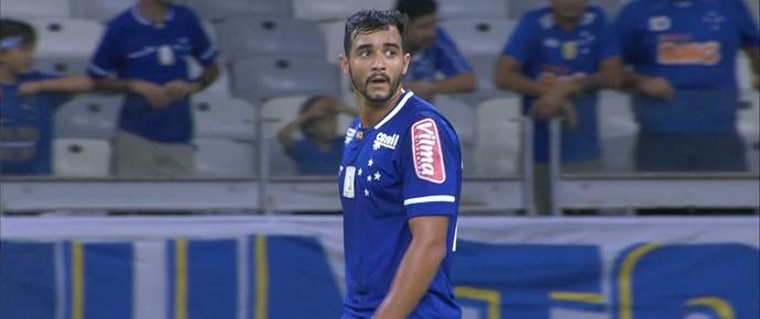 Henrique, atacante do Cruzeiro, fez estreia com a camisa do Cruzeiro contra o Boa Esporte (Foto: Reprodução / TV Globo Minas)