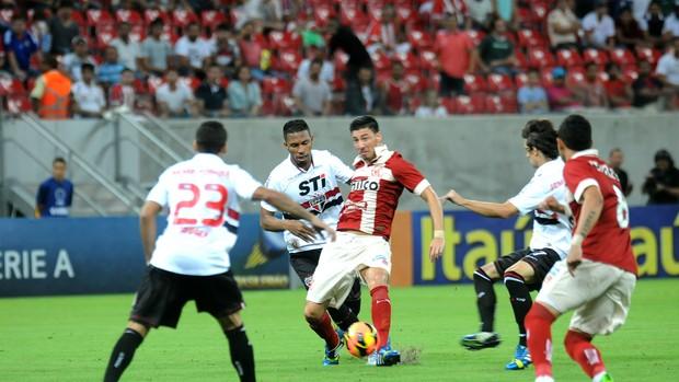 náutico x são paulo (Foto: Aldo Carneiro / Pernambuco Press)