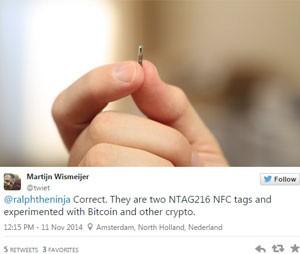 Martijn Wismeijer mostrou chip que ele implantou na mão (Foto: Reprodução/@twiet/Twitter)