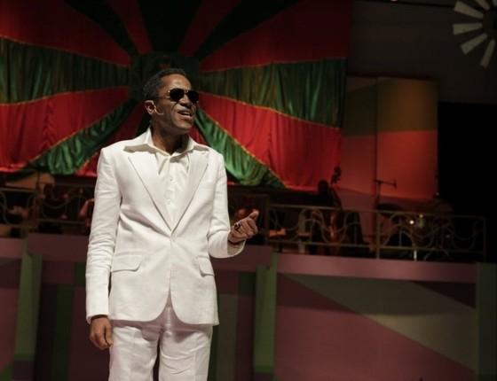 Flávio já viveu o sambista na minissérie JK, da TV Globo, em um show e também em um espetáculo anterior  (Foto: Divulgação)
