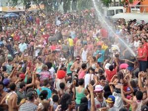 Tradicional Banho da Doroty no carnaval de Amparo (Foto: Arquivo Prefeitura de Amparo)