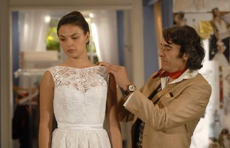 Como Marcela, em 'Ti-ti-ti', em cena com Alexandre Borges Estevam Avellar/ TV Globo