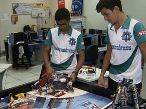 Alunos de Rio Claro vão apresentar projetos na Espanha (Foto: Ronaldo Oliveira/EPTV)
