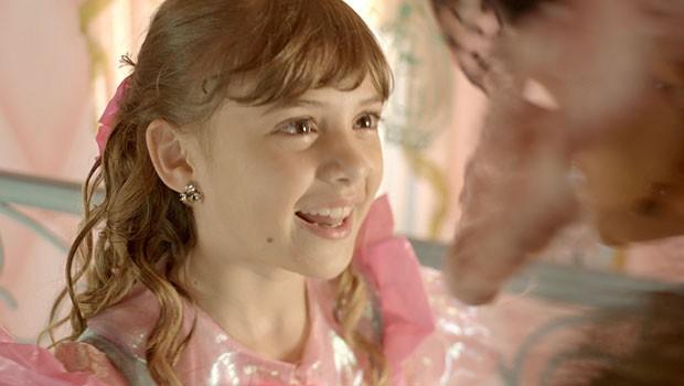 Pituca adora a ideia de dar aula para Lepe (Foto: Meu Pedacinho de Chão/TV Globo)
