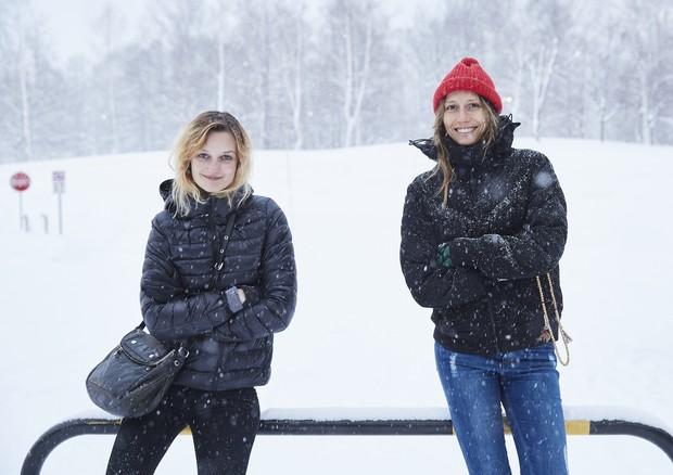 Jess Pauletto e Michi Provensi: esquiando em Niseko (Foto: Divulgação)