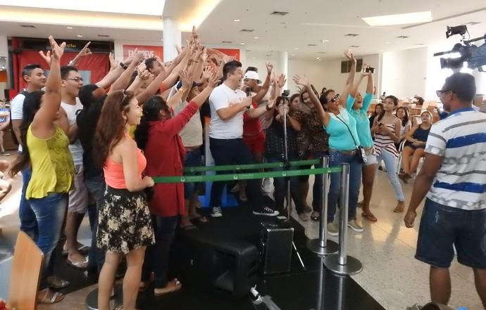 Amazonenses se divertem com ação do BBB em Manaus (Foto: Rede Amazônica)