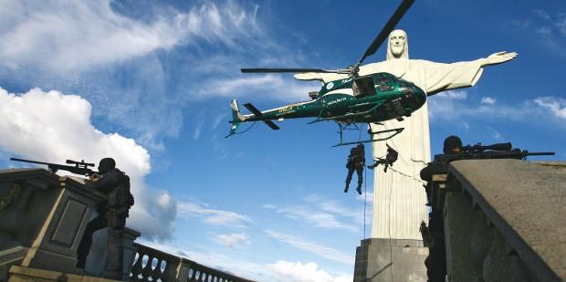 PRONTOS Policiais do Bope treinam operação no Corcovado. Polícias e Forças Armadas se preparam para garantir a segurança na Copa e na Olimpíada (Foto: Alexandre Vieira/Ag. O Dia)