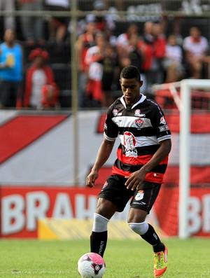 dankler, zagueiro do vitoria (Foto: Felipe Oliveira/EC Vitória/Divulgação)