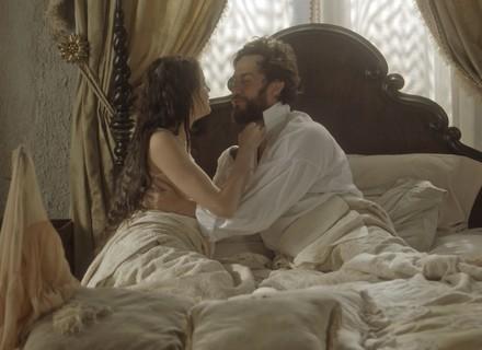 Thomas e Domitila dormem juntos
