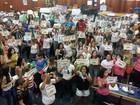 Professores em greve mudam texto da proposta de acordo com prefeitura