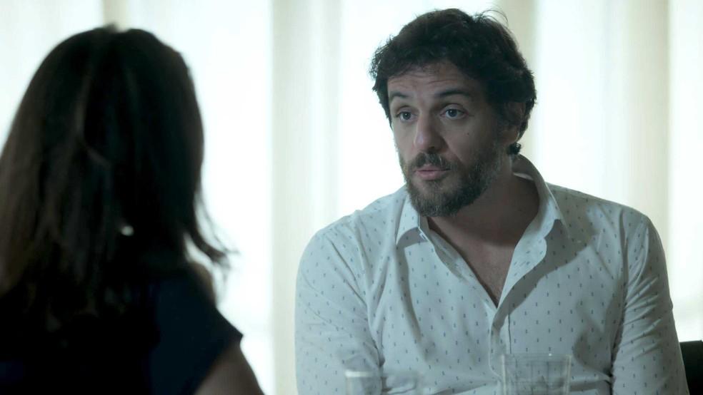 Caio diz que aceitar vender a casa para Rubinho (Foto: TV Globo)