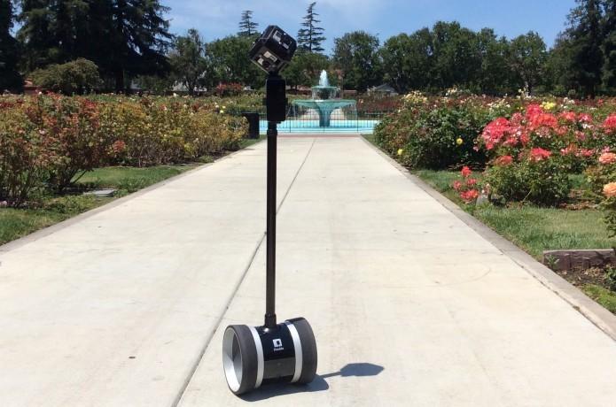Robô ajuda a registrar fotos perfeitas em panorâmica ou takes a distância (Foto: Divulgação/Double Robotics)