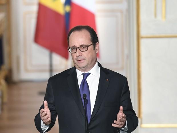 O presidente da França, François Hollande, no Palácio do Eliseu nesta terça-feira (20) (Foto: Alain Jocard/Pool/AFP)
