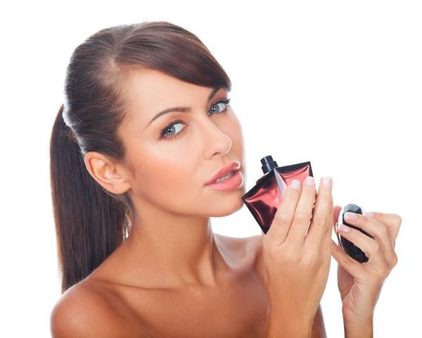 Aprenda a escolher um bom perfume (Foto: Think Stock)