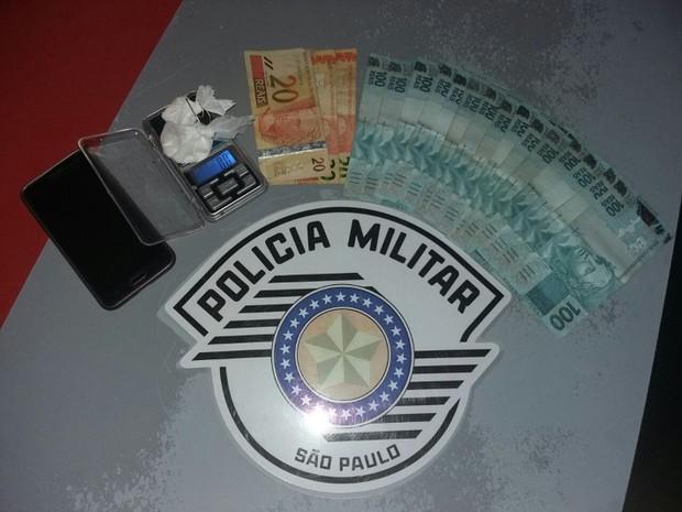 Materiais apreendidos pela Polícia Militar  (Foto: Divulgação/Polícia Militar)