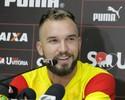 "Após polêmicas, Willian Farias anuncia que vai ""dar tempo"" com entrevistas"
