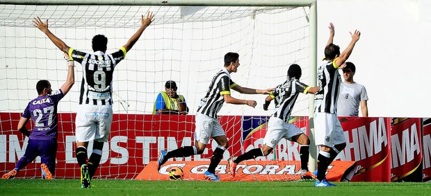 gustavo henrique santos gol corinthians série A (Foto: Marcos Ribolli / Globoesporte.com)