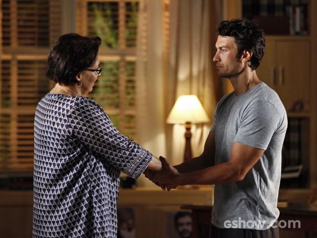Laerte confessa para Selma que brigou com Virgílio (Foto: Inácio Moraes/ TV Globo)