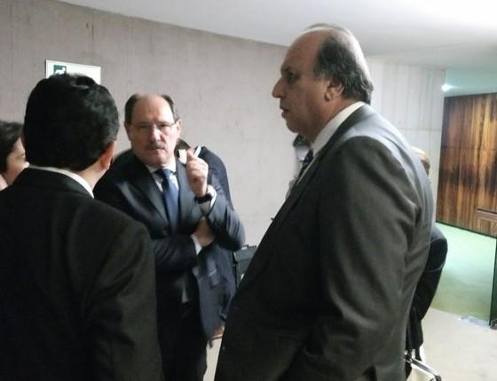 Pezão e Sartori buscam apoio de deputados para a aprovação de projeto de recuperação fiscal de estados (Foto: Nonato Viegas)