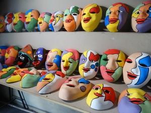 Máscaras tradicionais de papangus são as mais vendidas (Foto: Joalline Nascimento/G1)