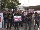 Policiais civis em greve bloqueiam entrada do Porto de Maceió