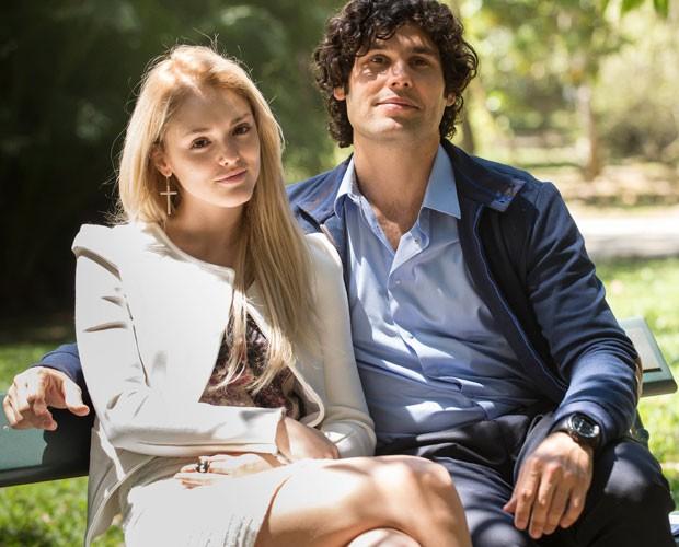 Isabelle e Dudu gravam no Jardim Botânico (Foto: Raphael Dias/TV Globo)