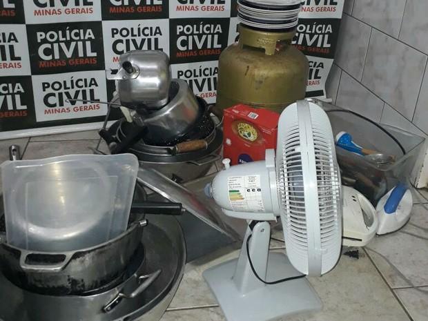 Produtos recuperados em Ibiá (Foto: Polícia Civil/Divulgação)