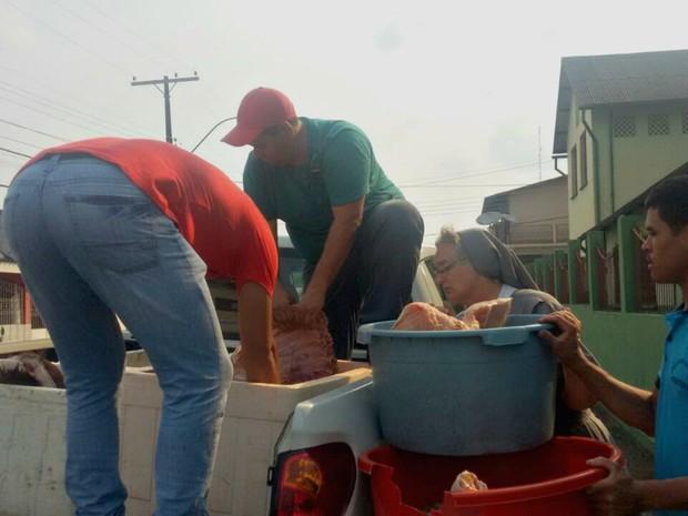 Carnes foram doadas para instituições beneficentes de Cruzeiro do Sul (Foto: Divulgação/Imac)