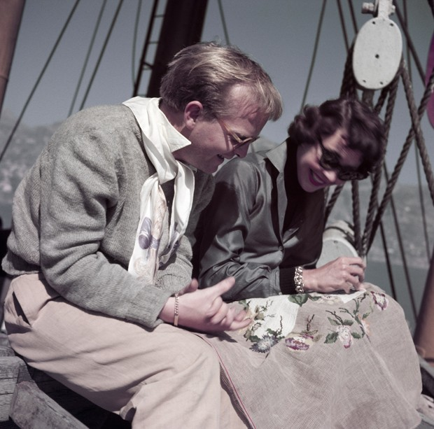 Truman Capote e Jennifer Jones, Ravello, Itália, Abril 1953 (Foto: Robert Capa/International Center of Photography/Magnum Photos)