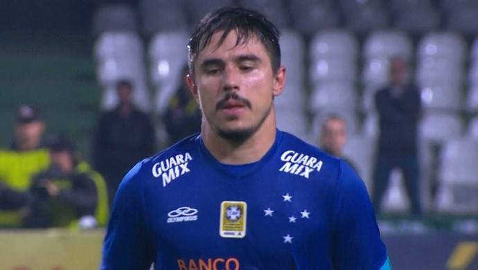 Willian Cruzeiro contra o Coritiba (Foto: Reprodução \Sportv)