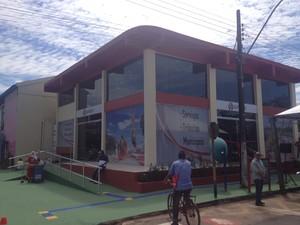 Central do Contribuinte passou a funcionar em novo endereço nesta segunda-feira (Foto: Abinoan Santiago/G1)