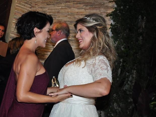 Geovanna Tominaga e a noiva, Mariana Nogueira (Foto: (Foto: Roberto Teixeira/EGO))