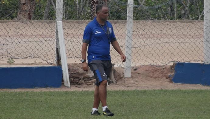 Oliveira Canindé, técnico do CSA (Foto: Leonardo Freire/GloboEsporte.com)