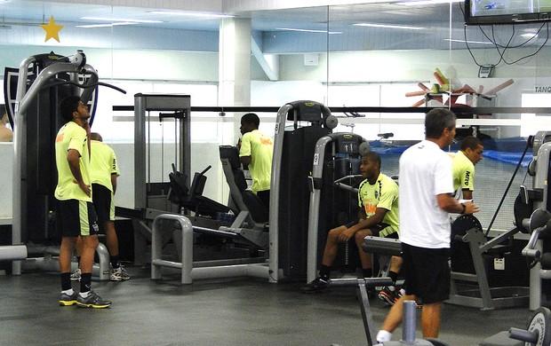 jogadores atlético-mg musculação (Foto: Fernando Martins / Globoesporte.com)
