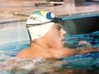 Arthur Aguiar relembra fase atleta e homenageia técnica de natação