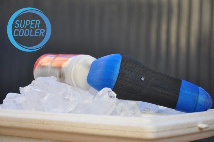 Super Cooler precisa de um balde com gelo para esfriar sua cerveja em poucos instantes (Foto: Divulgação)
