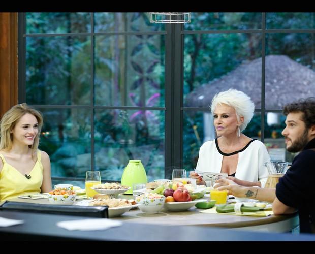 Isabelle Drummond e Jayminho Matarazzo tomam café da manhã com Ana Maria (Foto: Ellen Soares/Gshow)