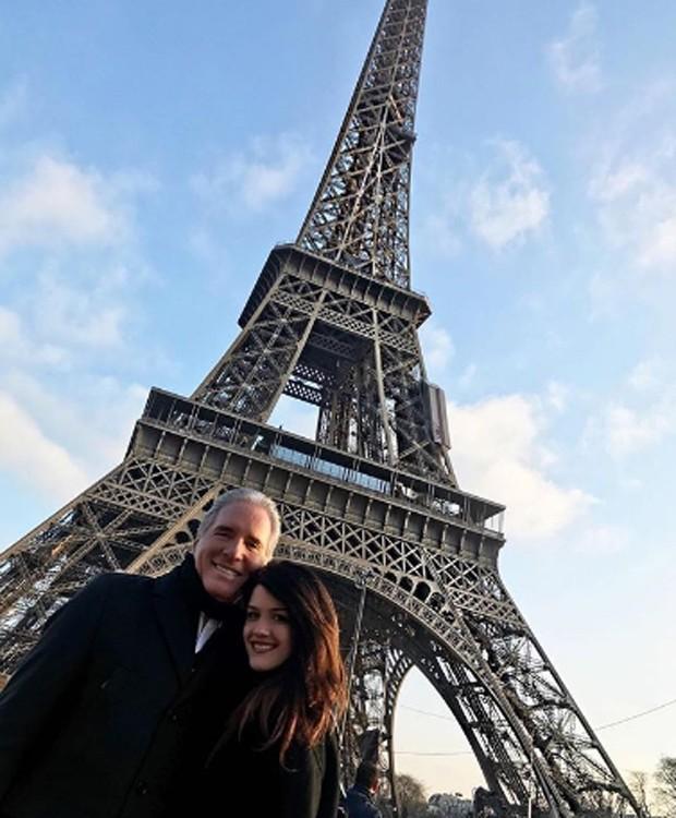 Roberto e Luiza Justus na Torre Eiffel (Foto: Reprodução/Instagram)