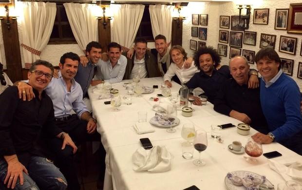 Ex-jogadores e atuais do Real Madrid se reúnem