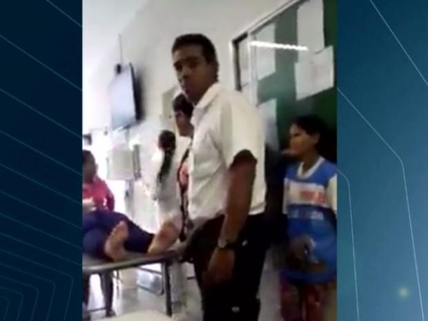 Vigilante, 36 anos, é suspeito de agredir grávida em UPA de Luziânia Goiás (Foto: Reprodução/TV Anhanguera)