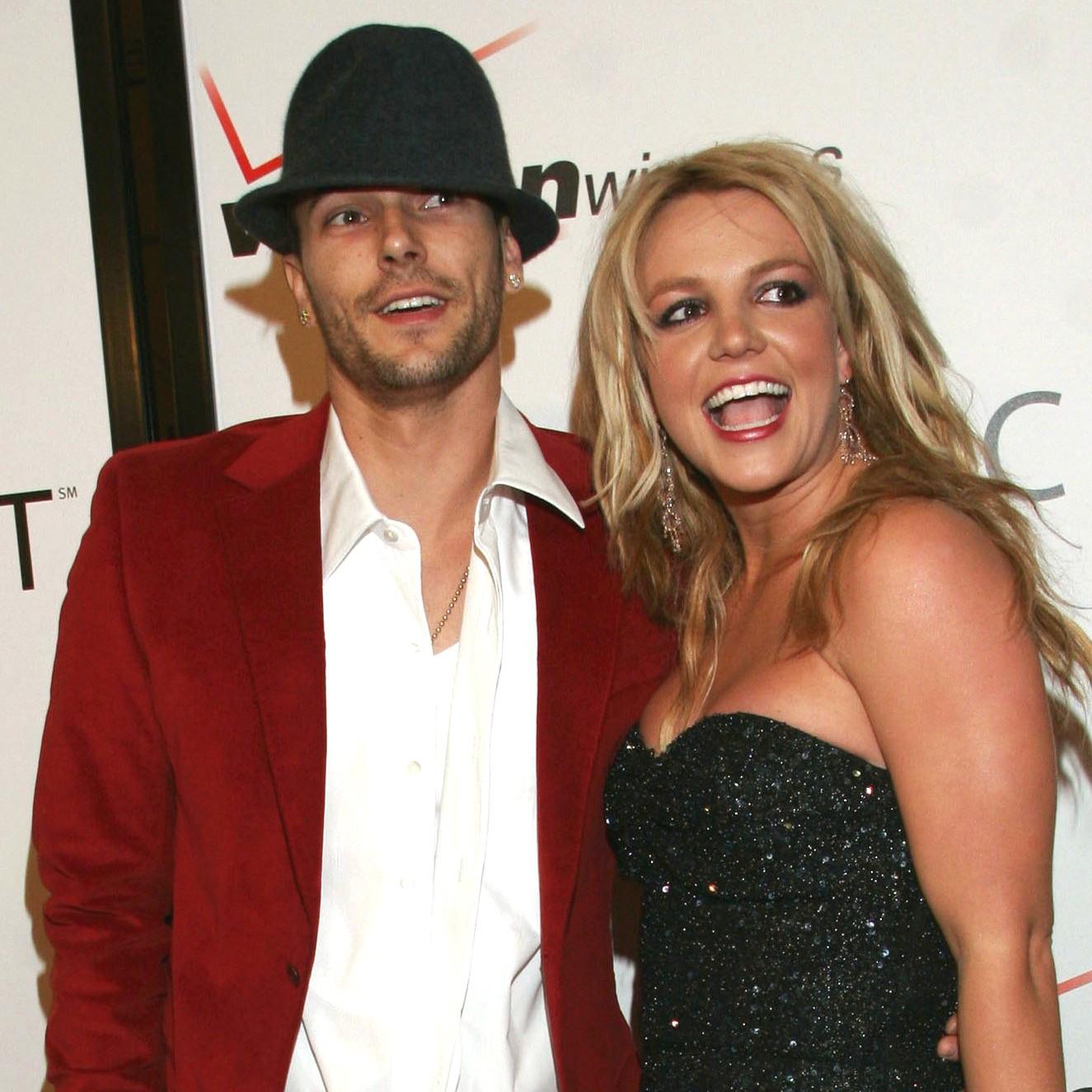 Para quem achou loucura o casamento de 55 horas de Britney Spears com o amigo Jason Alexander, bem, o que dizer do casório com o dançarino Kevin Federline (foto), após cinco meses de namoro? Eles se separaram após dois anos, oito semanas depois do nascimento do segundo filho do casal. (Foto: Getty Images)